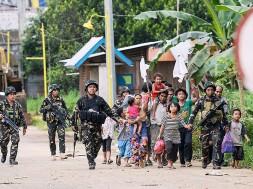 Family-Rescue-in-Marawi